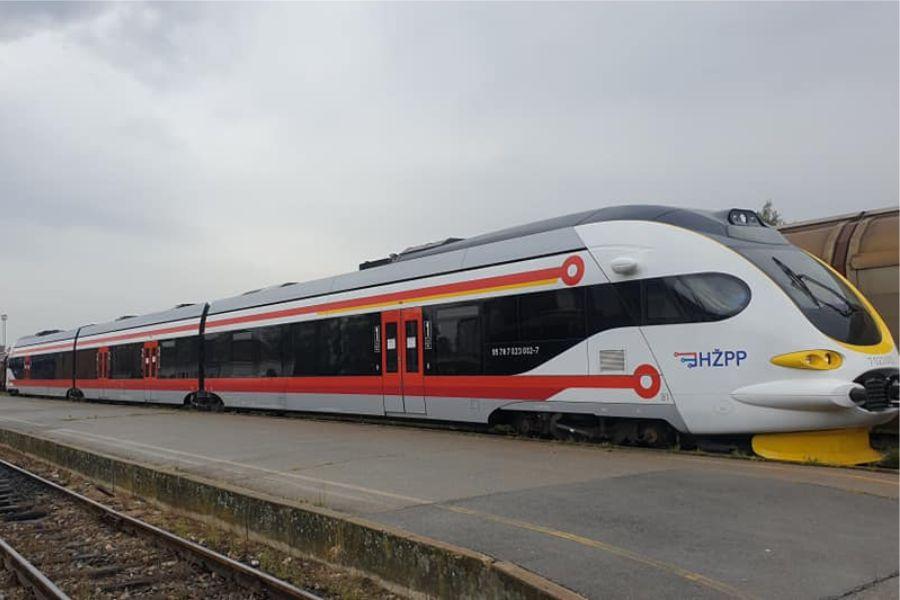 Novi vlak na slavonskom području, sljedeći korak je obnova kolodvora, ali i pruge