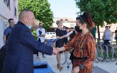 Gradonačelnik Vrkić osječkim obiteljima uručio ključeve 25 novih gradskih stanova