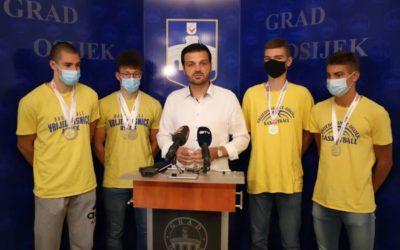 Dogradonačelnik Vulin čestitao zlatnim osječkim Krvopijama