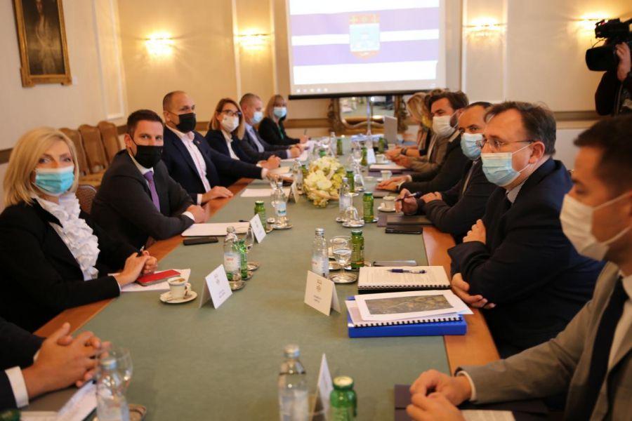 Ministar Tomislav Ćorić u OBŽ: Nastavljaju se projekti RCGO Orlovnjak i korištenja geotermalnih izvora